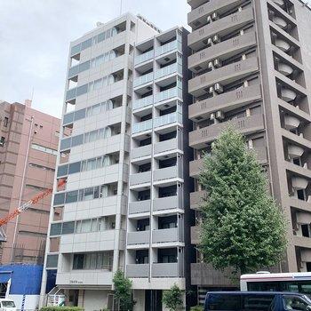 お部屋は3つ並んだ建物のセンターです。