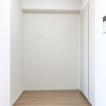 ペットのゲージはここかな。※写真は4階の同間取り別部屋のもの・一部実際の内装と異なる場合があります