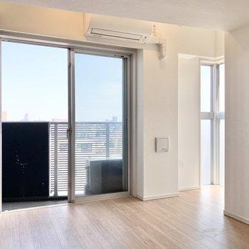 北と東の二面で採光しています。※写真は4階の同間取り別部屋のもの・一部実際の内装と異なる場合があります