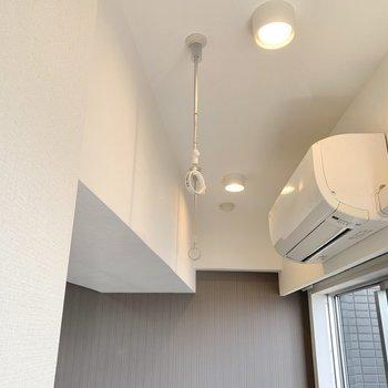 上でお部屋干しができますね。※写真は4階の同間取り別部屋のもの・一部実際の内装と異なる場合があります