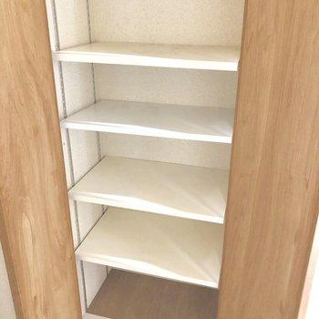 靴箱はちょっと小さめかな? 玄関の広いスペースを上手く活用しましょう!