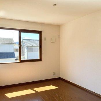 【洋室①】2階には6帖のお部屋が2つあります。