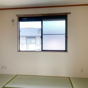 【和室約6帖】北側のお部屋。こちらは和室です。