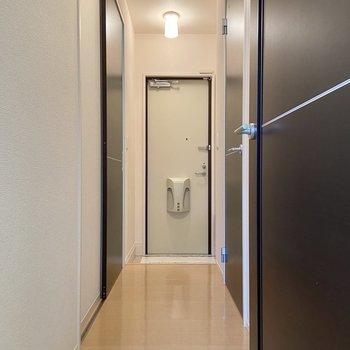 廊下に出てみましょう。