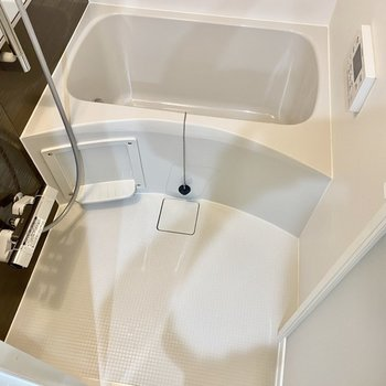 洗い場、浴槽共にゆったり。