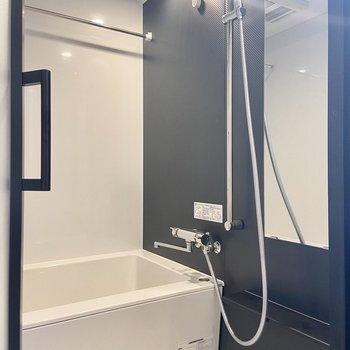 浴室乾燥機つきです。お風呂場までかっこいい……