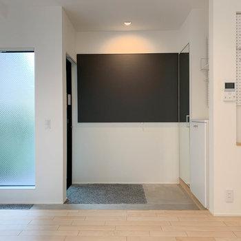 キッチンの右側。土間はこのように。