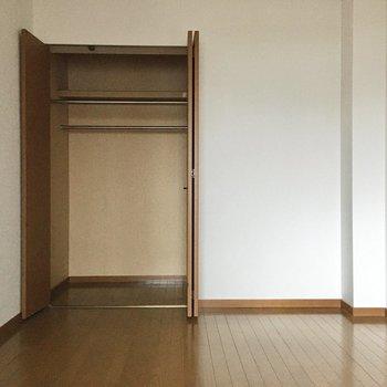寝室として使いたいね。ベッドはダブルサイズも入ります。(※写真は3階の同間取り別部屋のものです)