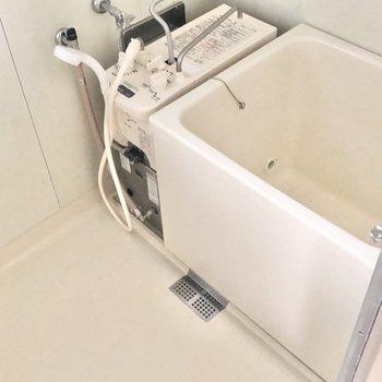 お風呂は追い炊き可能です。