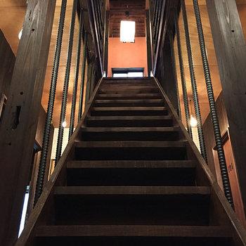 どこか懐かしさを感じる階段
