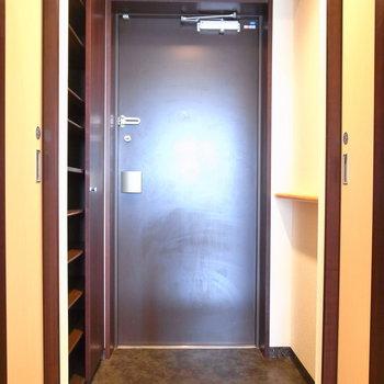 玄関も窮屈さはありませんでした。※写真と文章は11階の同間取り別屋のものです。