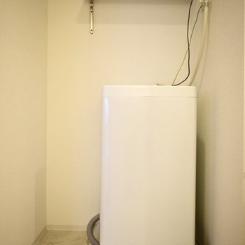 洗濯機は脱衣所に置きます。