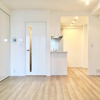 【LDK】コミュニケーションをとりながら家事に取り組めるオープンキッチンタイプ。