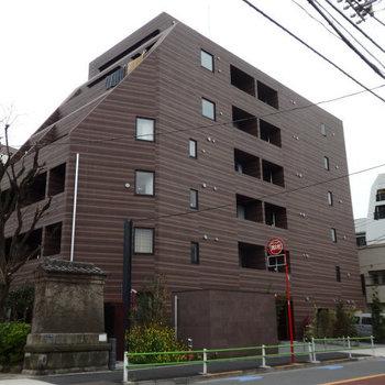 2015年築の築浅マンション。