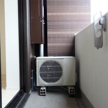 洗濯物を干すには十分な広さかな。※写真は5階の同間取り別部屋のものです