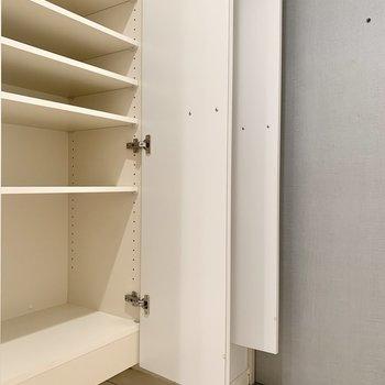 靴もたっぷりしまえます。※写真は8階の同間取り別部屋のものです