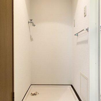 室内洗濯機置き場。※写真は1階の同間取り別部屋のものです