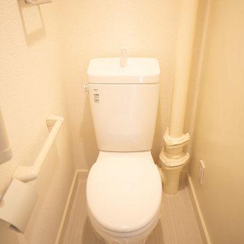 トイレもシンプルで良い感じでした。※画像は同カラー・同間取り(反転タイプ)の別室です。