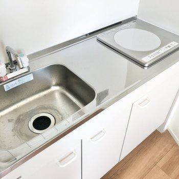 IHコンロなのでお掃除も楽チンです。※写真は3階の同間取り別部屋のものです