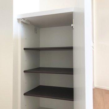 シューズボックス上は鍵置き場などに使えそう。※写真は3階の同間取り別部屋のものです