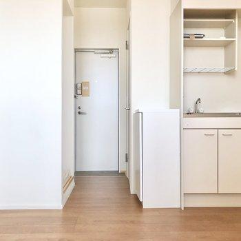 続いて玄関側にあるキッチンを見ていきましょう。※写真は3階の同間取り別部屋のものです