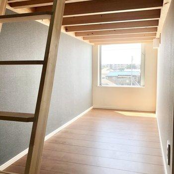 下段にも光が入ってくるので明るいです。※写真は3階の同間取り別部屋のものです