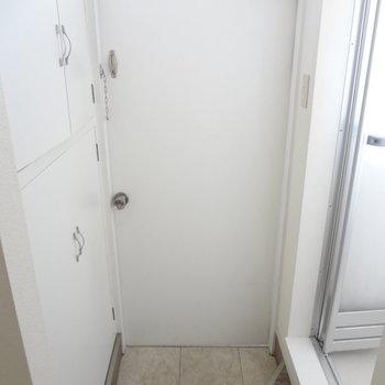 玄関もきれい!