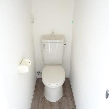 トイレは広々!