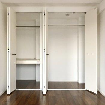 クローゼットは奥行きも横幅もしっかり大容量です(※写真は5階の同間取り別部屋のものです)