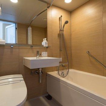 3点ユニットタイプですが、見ての通り綺麗で浴槽も大きいです!
