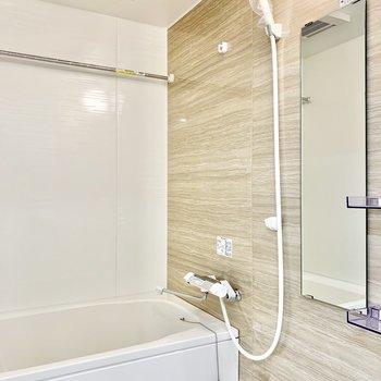 浴室乾燥付きです。雨の日でも洗濯物を干せますよ。