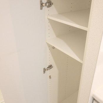 靴以外も収納できますね※写真は1階の反転間取り別部屋のものです
