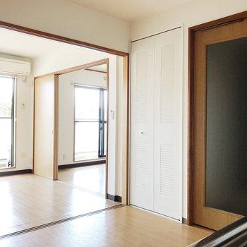 【DK】扉を開けてサニタリースペースへ