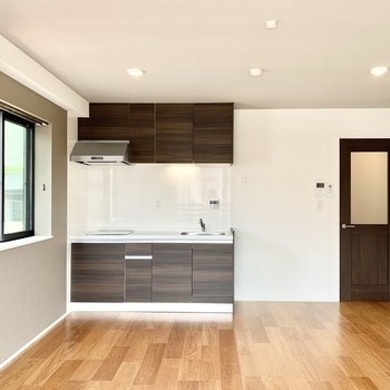 キッチンやドアも高級感があるので生活感が出にくいです。
