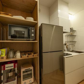 【共用部】キッチンです。清潔感があります。