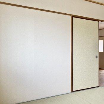 【和室】白壁とい草のコントラストが柔らかな印象。