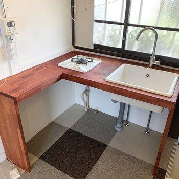 作業スペース広めで調理もしやすいですね。