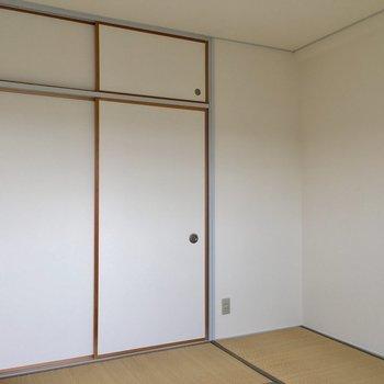 【和室】きれいなふすまの中は※写真は3階の反転間取り別部屋のものです