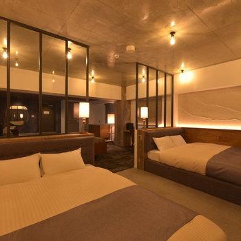 最大で4名様のご宿泊が可能です。※2名様以上宿泊の場合は追加費用10,000円/人(税抜)