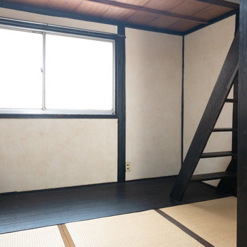 和室2】ロフトへの階段が出てきます。