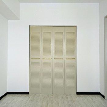 【洋室】洋室にはクローゼットがあります。