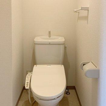 トイレにはウォシュレット付!ありがたいですね。