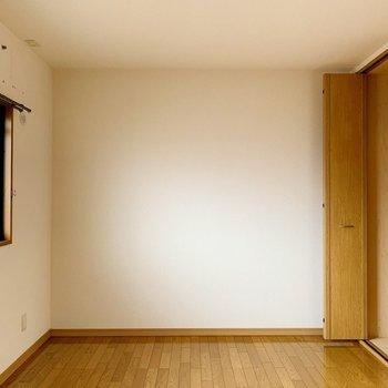 ここが玄関横の洋室。