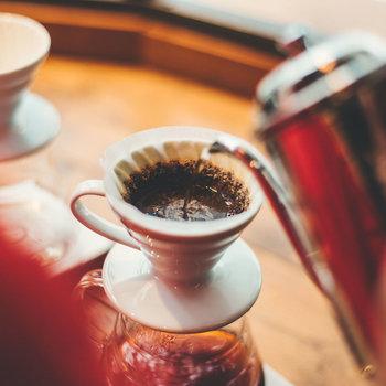 【共用部】コーヒーのほか、シーズナルドリンクやモーニングメニューも充実しているんですよ。