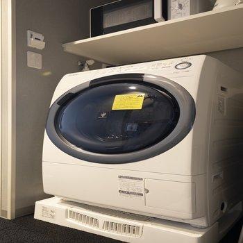 ドラム式洗濯機があります。これは嬉しい。
