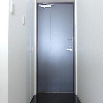 玄関もゆとりありますよ〜(※写真は4階の同間取り別部屋のものです)