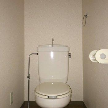 トイレは独立しています。※写真は3階の同間取り別部屋のものです