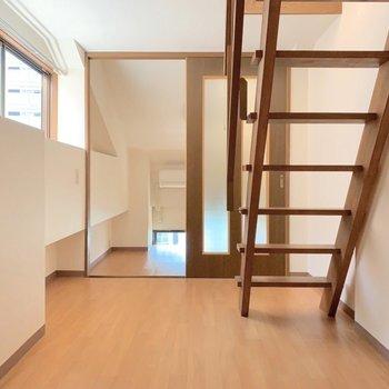 【洋室2】くるっと。では、3層目にいきましょう。(※写真は7階の同間取り別部屋のものです)