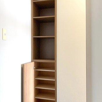 靴箱はのっぽさん。(※写真は7階の同間取り別部屋のものです)