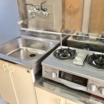 シンクボードや折り畳みの作業台があると、よりお料理が捗りそう。